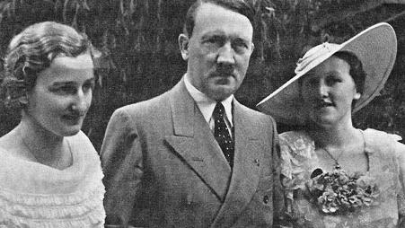 Richard-Wagner-s-daughter-in-law-Winifred-right-with-Hitler-and-an-unnamed-friend-The-Nazi-leader-was-a-regular-guest-at-the-Wagner-family-home.jpg